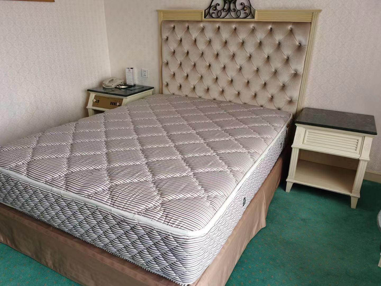 二手酒店床垫买卖 现货床垫低价处理1.5米床垫